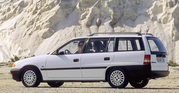 /Media/news/opelcar-a-van/Astraf-caravan.jpg